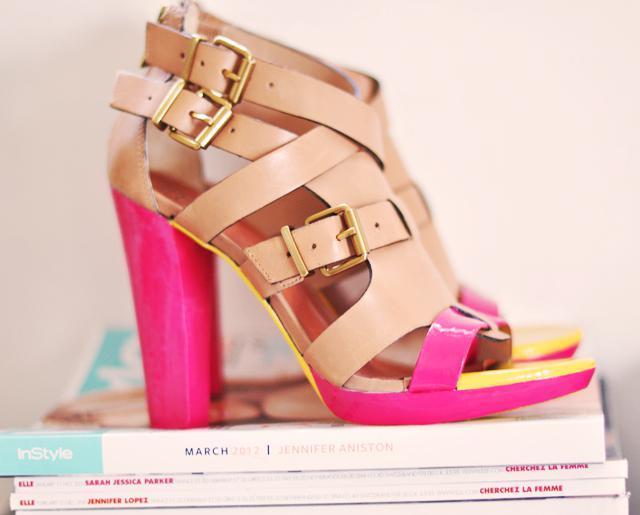 zapatos-decorados-con-esmaltes-de-unas