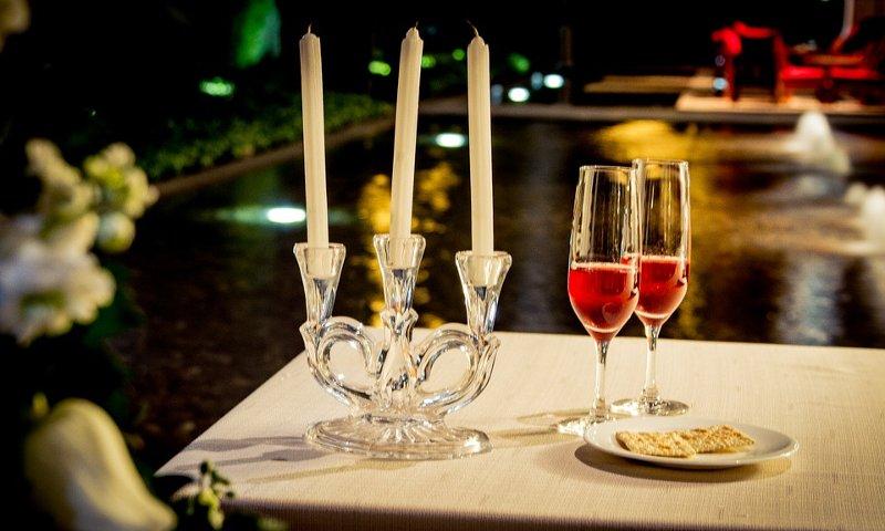 Regala una cena romantica